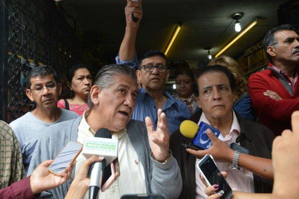 Amagan con abrir a la fuerza Avenida Morelos