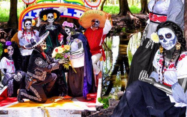 Descubre a La Catrina en trajinera en Xochimilco