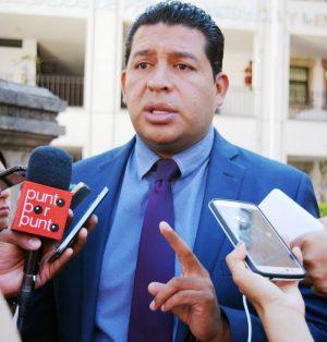 César García, abogado del rector. Foto: Jackeline López