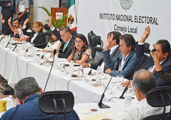 El INE no se arredra ante los poderes fácticos, advirtió Pablo Sergio Aispuro. Foto: Froylán Trujillo