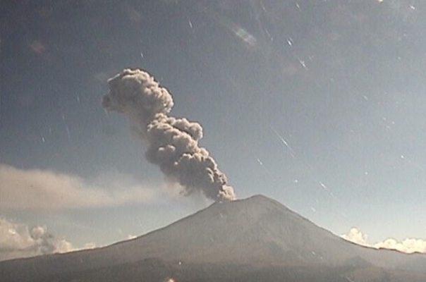 [VIDEO] Registran dos explosiones en el Popocatépetl