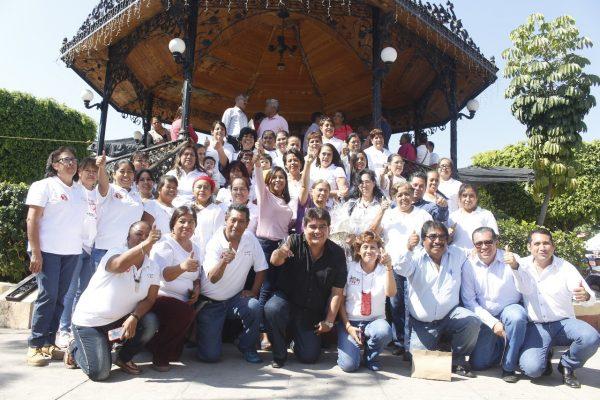 Participan más de 100 artesanos en Expo Fonart navideña