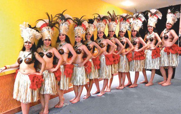 Evalúan a alumnas en danzas polinesias