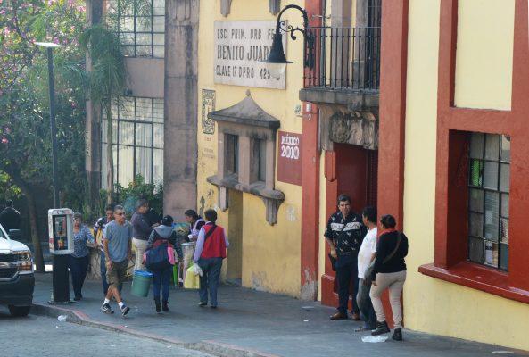 Entregan 15 millones de pesos más para reparar escuelas