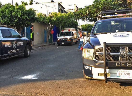 Ante denuncias de vecinos, los policías llegaron al lugar para detener a los presuntos delincuentes, quienes los recibieron a balazos. Foto Cortesía