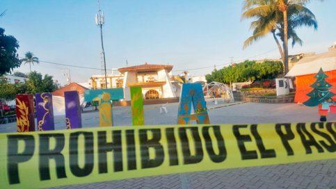 El lugar fue cercado por las fuerzas policiacas para realizar las investigaciones correspondientes.