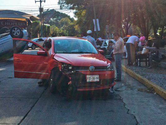 El accidente provocó severo caos vial por varios minutos en una de las avenidas principales de Cuernavaca.