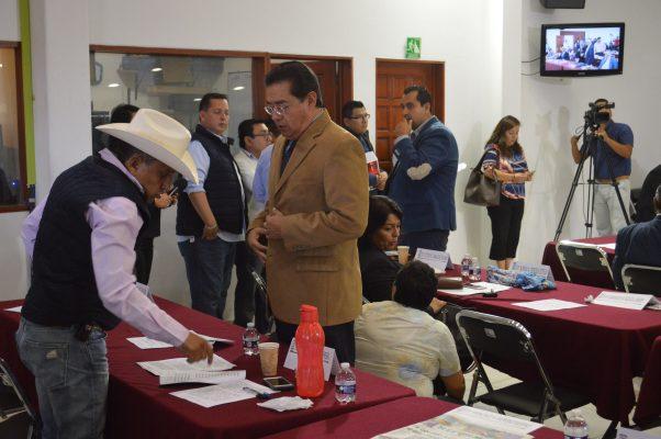 Sin suplente, Víctor Caballero en el Congreso