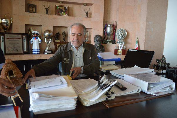 Rinde protesta Urquiza como rector