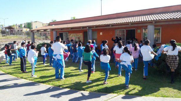 Suman esfuerzos para la regularización de escuelas