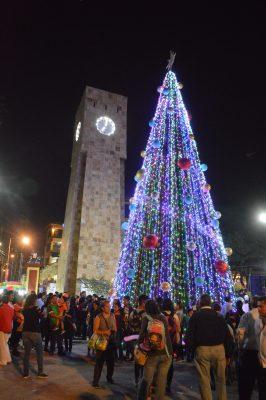 [VIDEO] Encienden el árbol de navidad en Jiutepec