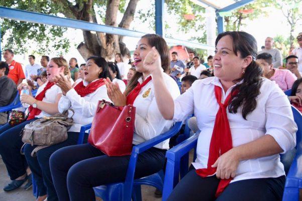 Anuncian reconstrucción de la escuela 10 de Abril
