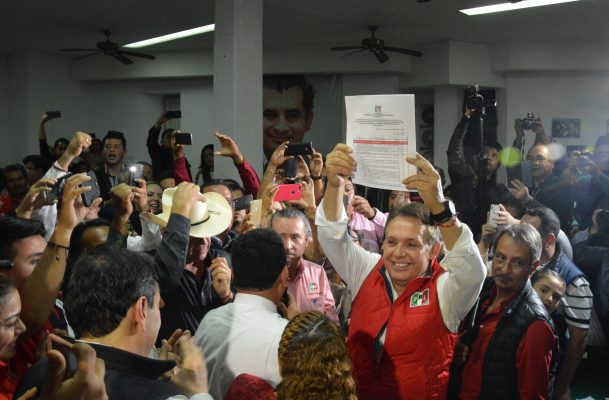 Se registra Jorge Meade Ocaranza a la Gubernatura