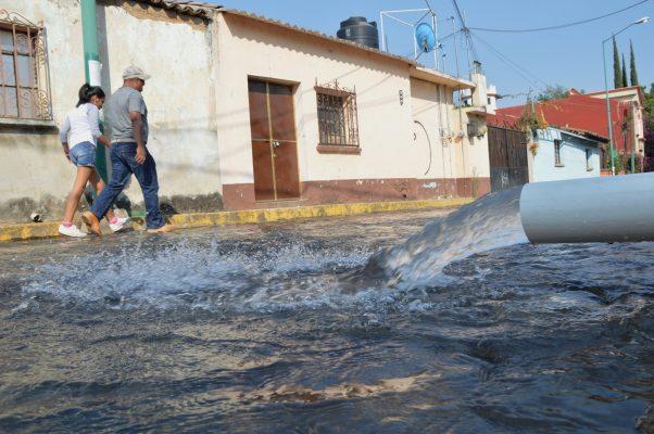 Convierten  en ríos calles de Ocotepec