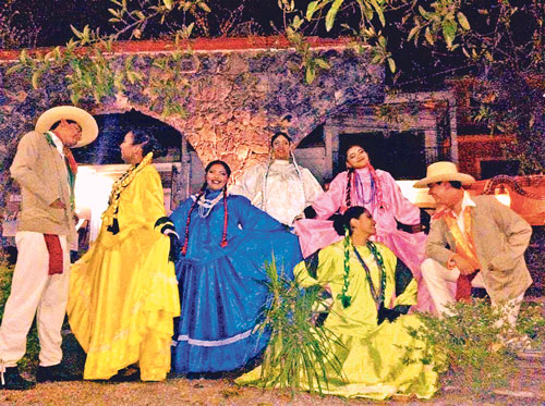 "Grupo Folklórico ""Tlecuauhtli de Morelos""."