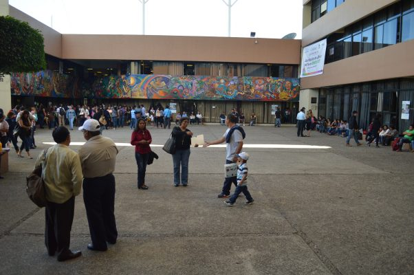 Depositan pago de aguinaldo a maestros jubilados de Educación Básica