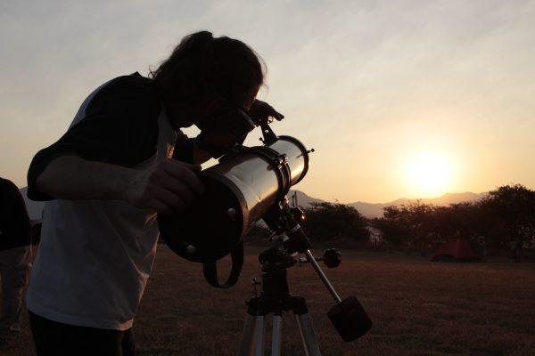 Alistan observación astronómica en Huitzilac