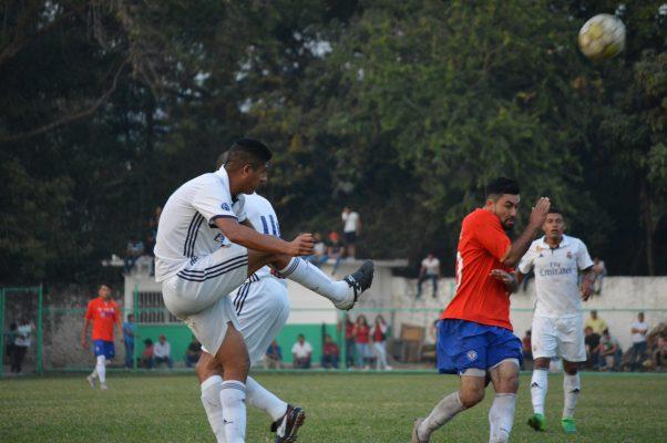 Disputan semifinales en la Ricardo Calderón