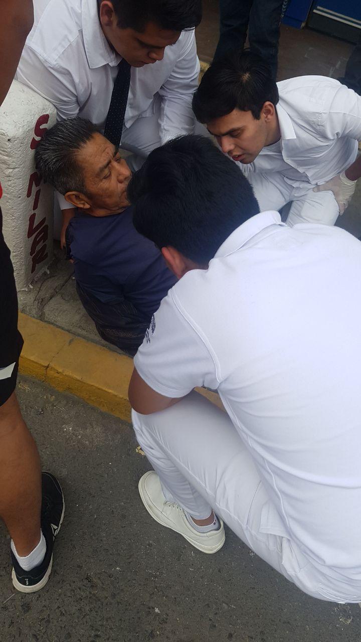 Los heridos fueron trasladados al hospital para su atención/ Cortesía