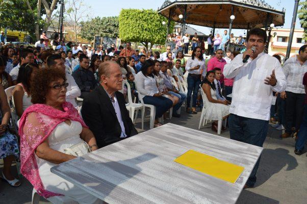 Se casan 120 parejas en Jiutepec