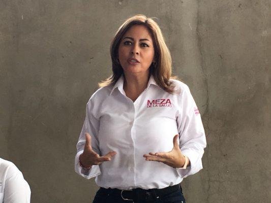 Exige Lucía Meza que renuncie Rodrigo Peña