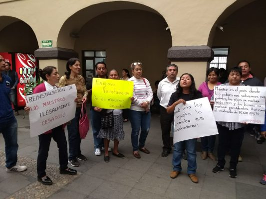 [VIDEO] Exigen maestros despedidos, imparcialidad