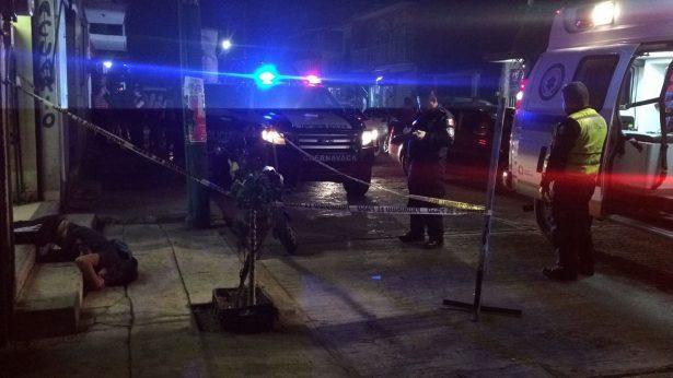 Asesinan a dos hombres en Cuernavaca y Mazatepec