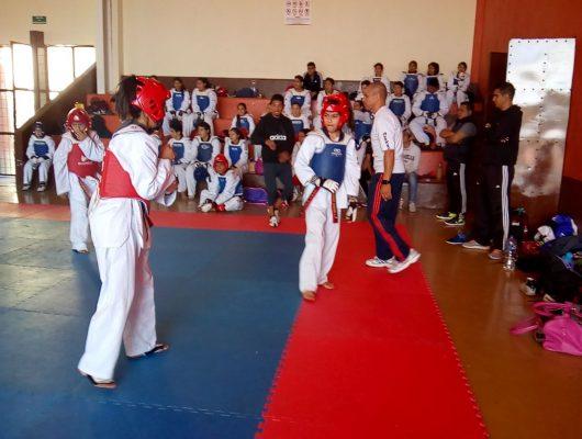 Taekwondoínes ganan en el Abierto Mexicano