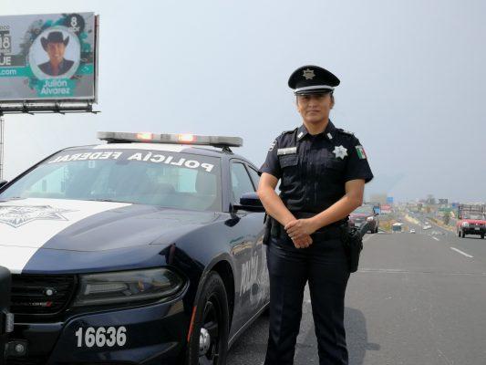 De 10 policías federales, nueve siguen siendo hombres