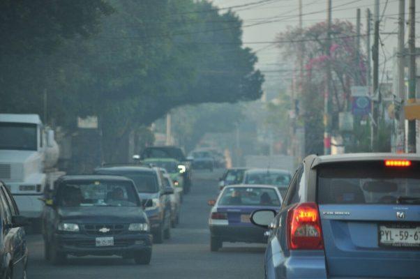 Amanece Cuernavaca invadida por el humo de incendios forestales
