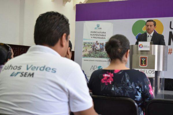 Convocan a jóvenes a estudiar en la UTSEM