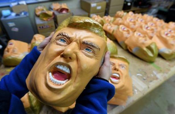 Beneficia a empresa japonesa triunfo de Trump: venden máscaras por millares
