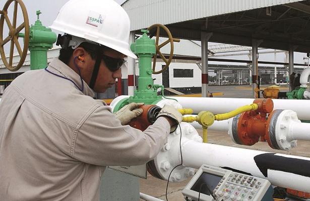 Pemex controlan fuga de combustible en Altamira