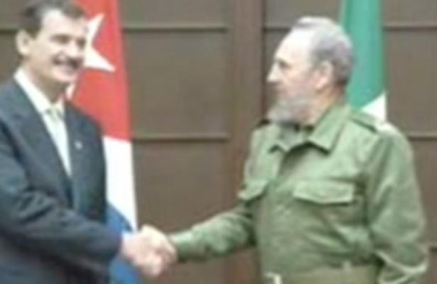 """Fidel Castro habría cobrado el """"comes y te vas"""" a Peña Nieto"""
