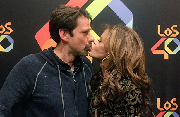 Lucía Méndez presume a su nuevo novio