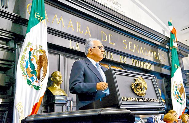Iniciativa constitucional de Mancera  atenta contra equilibrio de poderes