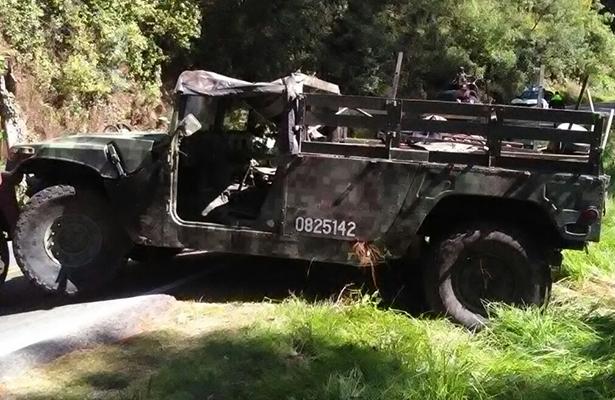 Se vuelcan militares en la Toluca-Temascaltepec; hay seis heridos