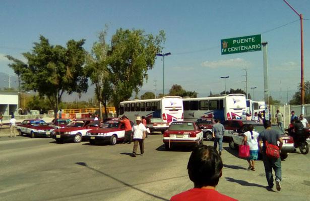 Manifestantes bloquean vialidades en Oaxaca