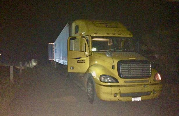 Rescatan en San Luis a trailero secuestrado