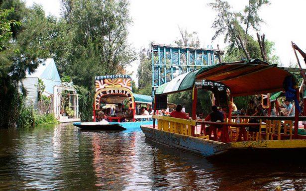 Para impulsar economía, realizan remate turístico en Xochimilco