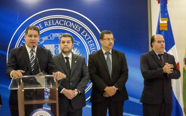 Gobierno y oposición de Venezuela acuerdan continuar negociación el 11 de enero