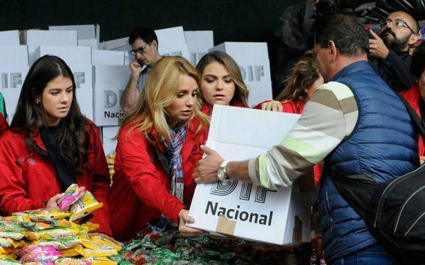Angélica Rivera encabeza labores de apoyo en centro de acopio de Campo Marte