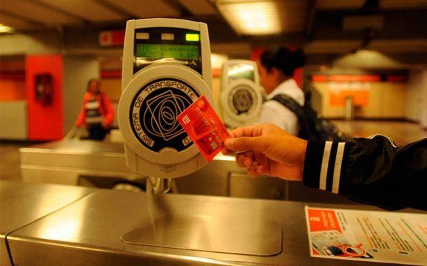 En riesgo el empleo de cientos de taquilleras del Metro