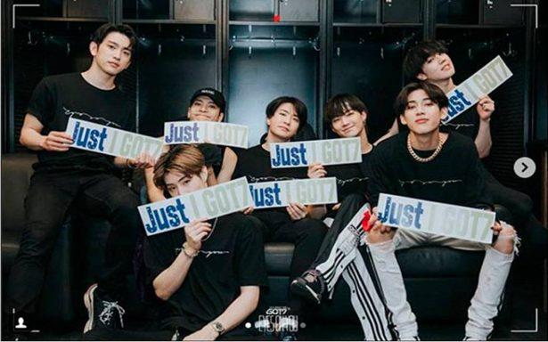 El grupo de Kpop GOT7 deja vestidas y alborotadas a sus fanáticas en el aeropuerto