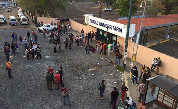 Estudiantes toman Ciudad Universitaria en Michoacán
