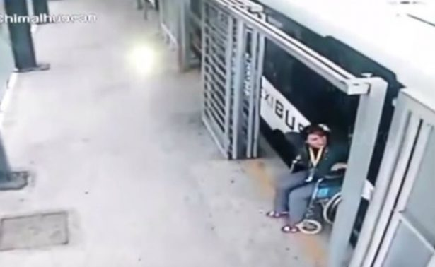 [Video] ¡Milagro! Minusválida camina luego de ser arrollada por autobús