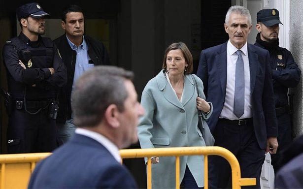Presidenta Parlamento catalán en libertad tras pagar fianza