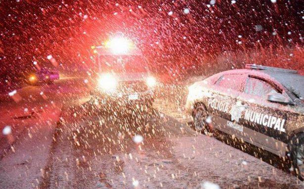 Continúan nevadas en Chihuahua; cierran siete tramos carreteros