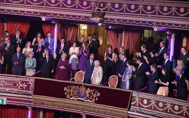 La reina Isabel II celebra su 92 cumpleaños con exclusivo concierto