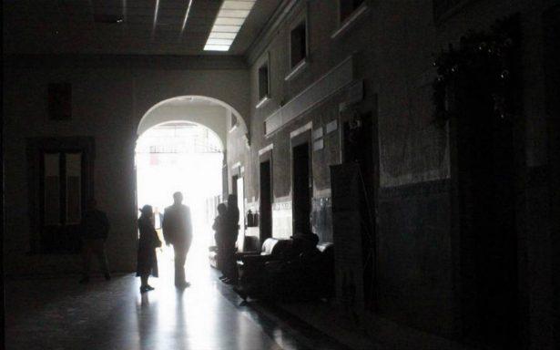 Suspenden energía eléctrica a Presidencia Municipal de Salamanca